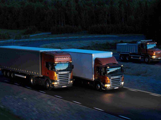 http://www.airswift.ae/wp-content/uploads/2015/09/Three-orange-Scania-trucks-640x480.jpg