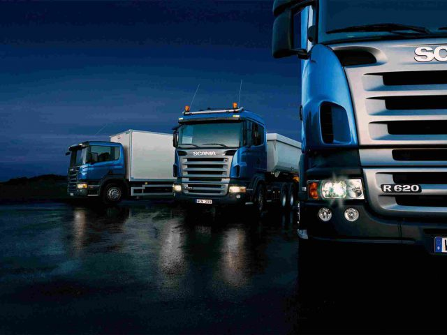 http://www.airswift.ae/wp-content/uploads/2015/09/Three-trucks-on-blue-background-640x480.jpg